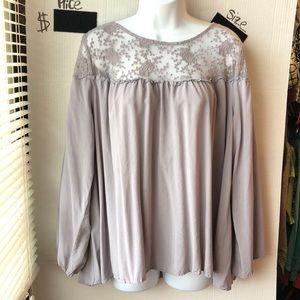 Unheeded long sleeve blouse